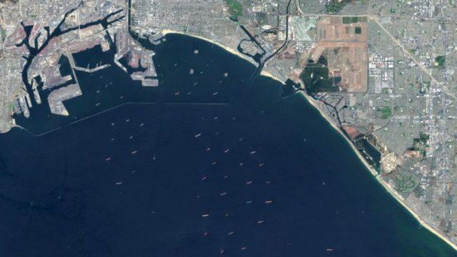 EUA têm congestionamento recorde de navios de contêineres