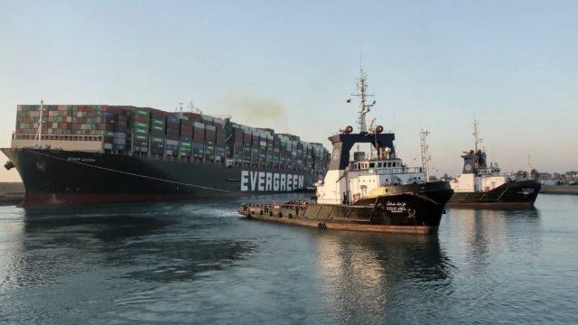 O encalhe do navio MV Ever Given em Suez e os riscos para as cargas brasileiras