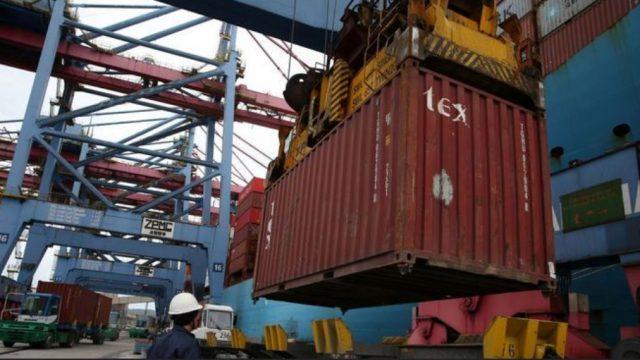 A balança comercial brasileira tem superávit de US$ 45,99 bilhões no acumulado do ano